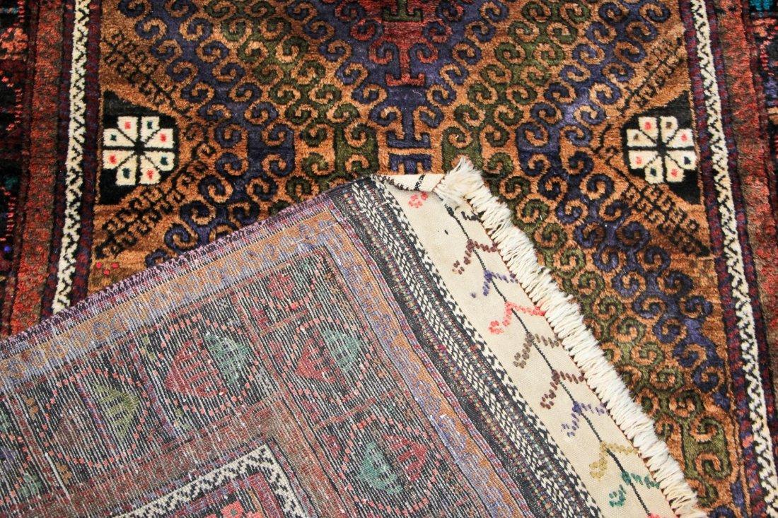 Vintage Beluch Rug: 4'2'' x 6'6'' (127 x 198 cm) - 4
