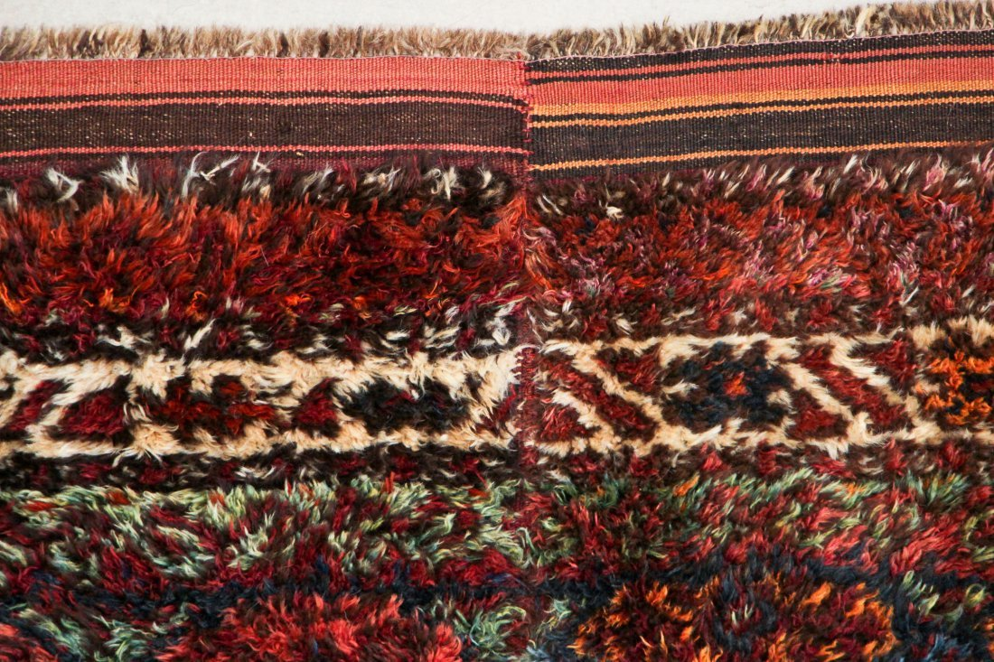Semi-Antique Kazakh Rug: 5'3'' x 5'9'' (160 x 175 cm) - 3