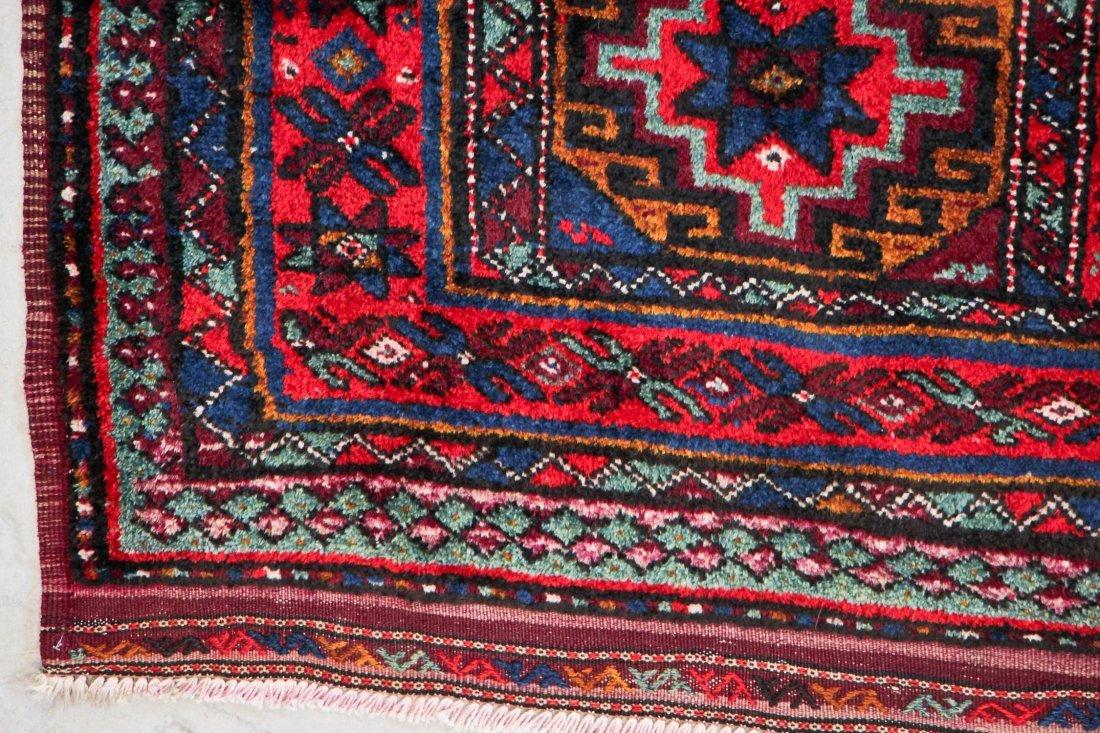 Vintage Central Asian Rug: 4'9'' x 8'4'' (145 x 254 cm) - 3