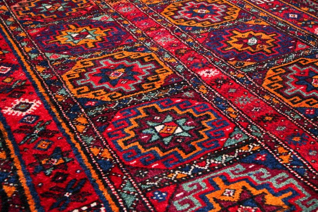 Vintage Central Asian Rug: 4'9'' x 8'4'' (145 x 254 cm) - 4