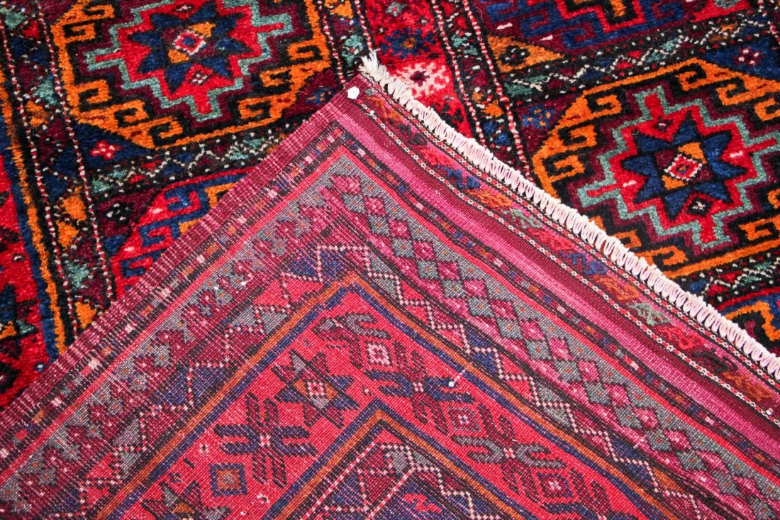 Vintage Central Asian Rug: 4'9'' x 8'4'' (145 x 254 cm) - 5
