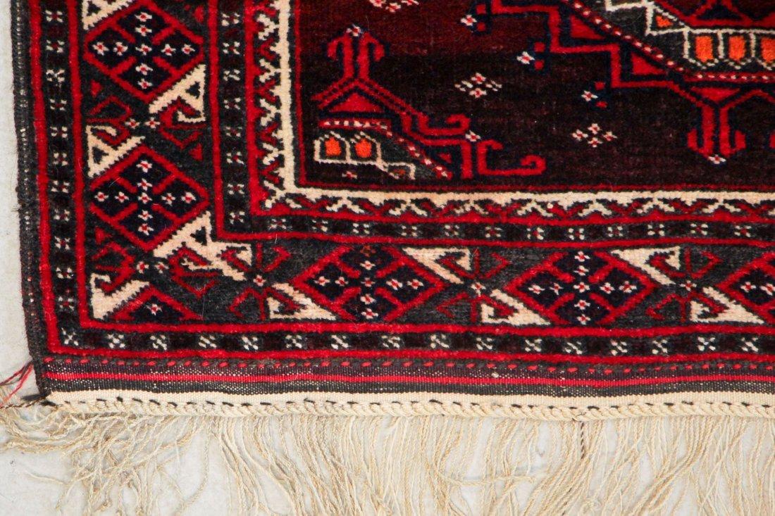 Vintage Turkmen Rug: 3'11'' x 6'0'' (119 x 183 cm) - 2