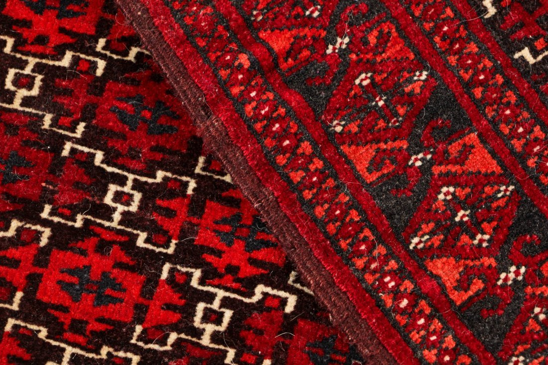 4 Semi-Antique Turkmen Rugs, Central Asia - 3