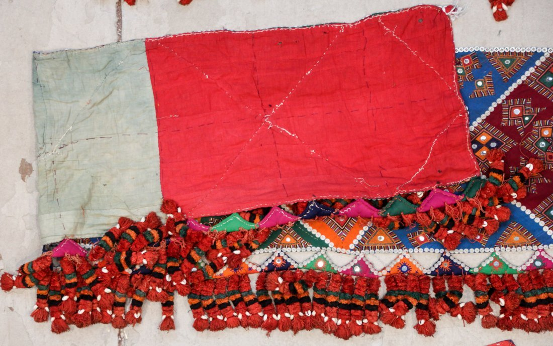 3 Old Sind Area Embroidered Hangings - 6
