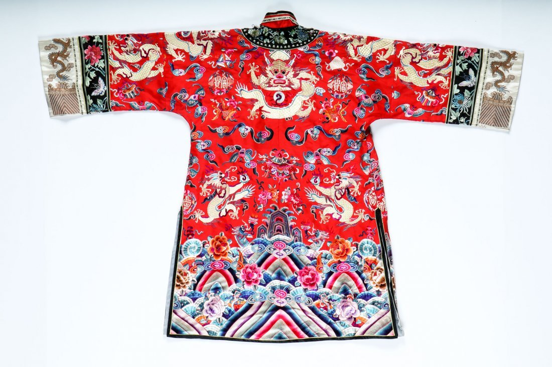 Antique Chinese Silk Embroidered Dragon Robe - 4