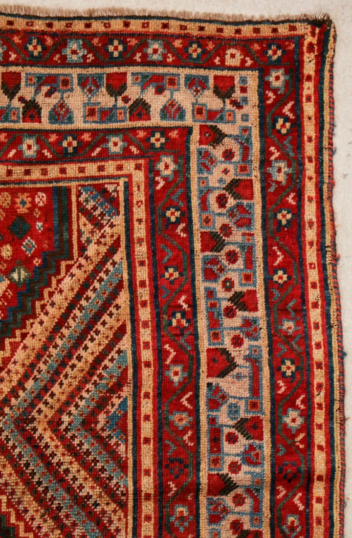 "Antique Shiraz Rug: 5'4"" x 7'2"" (163 x 218 cm) - 2"