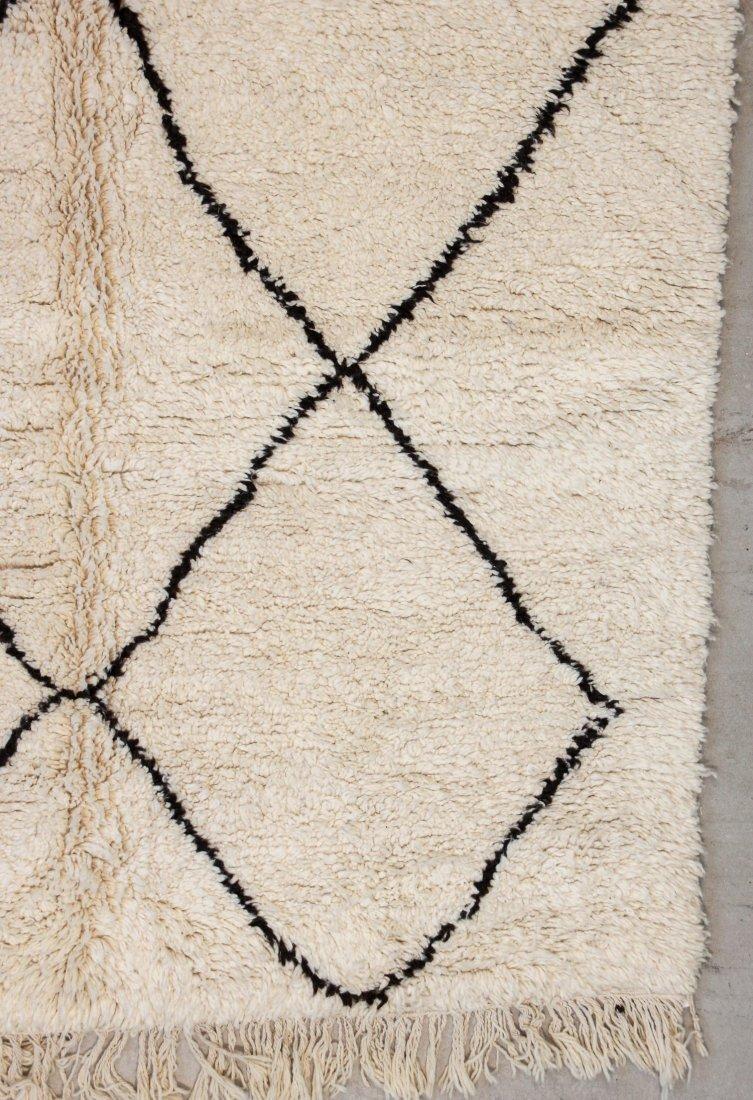 """Vintage Beni Ourain Rug: 5'9"""" x 8'9"""" (176 x 267 cm) - 2"""