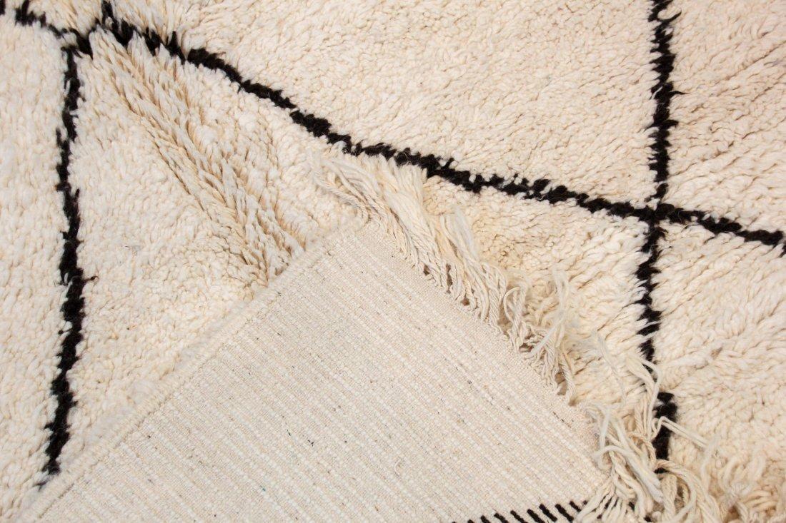 """Vintage Beni Ourain Rug: 5'9"""" x 8'9"""" (176 x 267 cm) - 4"""