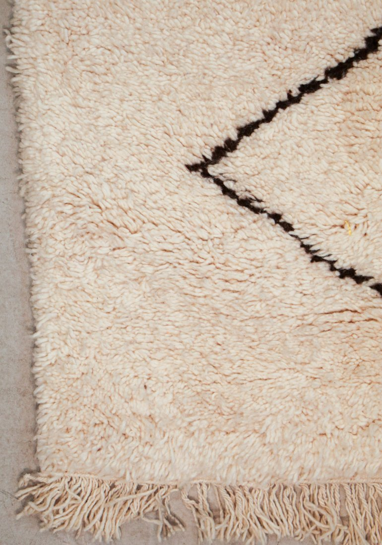 """Vintage Beni Ourain Rug: 5' x 7'10"""" (152 x 240 cm) - 2"""