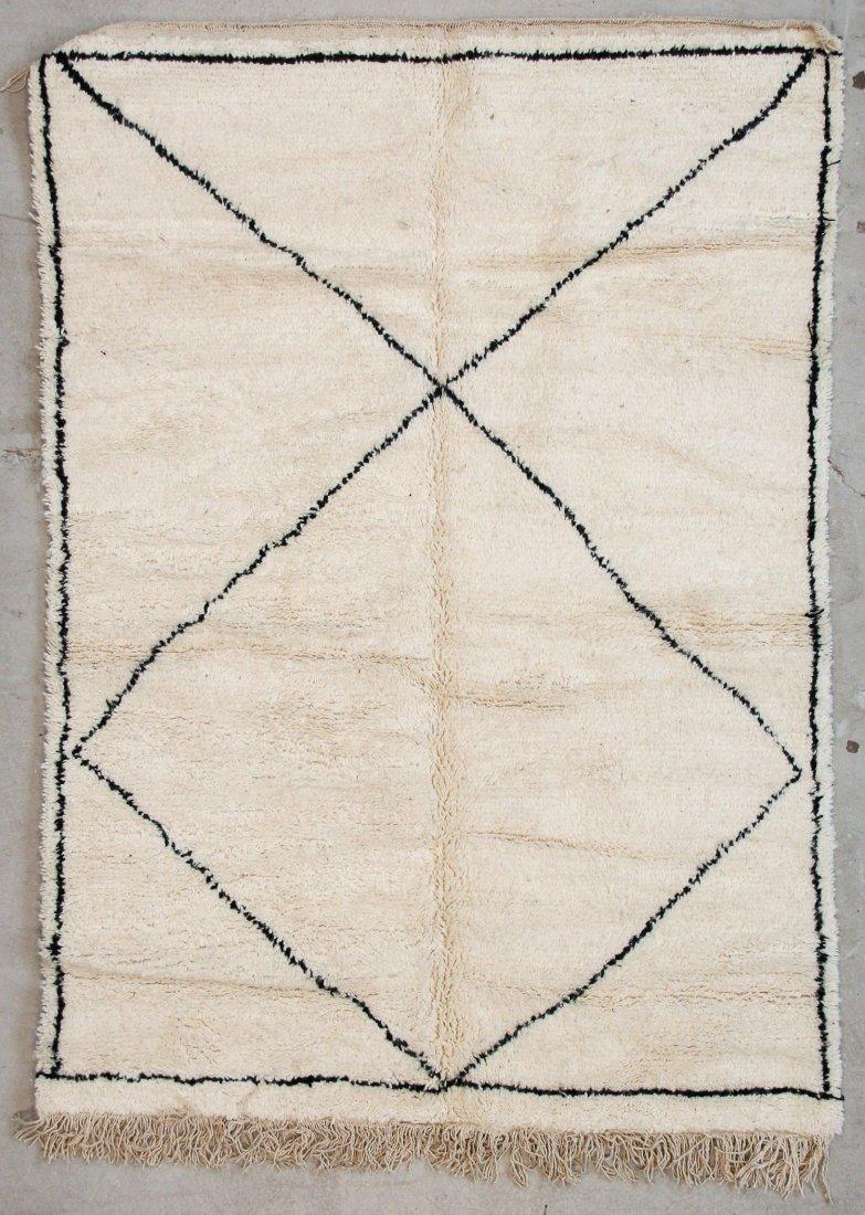 """Vintage Beni Ourain Rug: 5' x 7'4"""" (153 x 223 cm)"""
