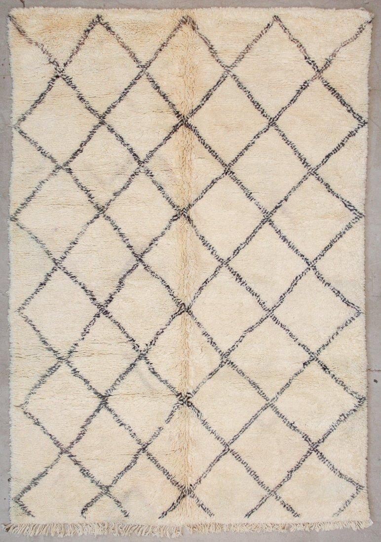 """Vintage Beni Ourain Rug: 6'8"""" x 9'10"""" (203 x 300 cm)"""