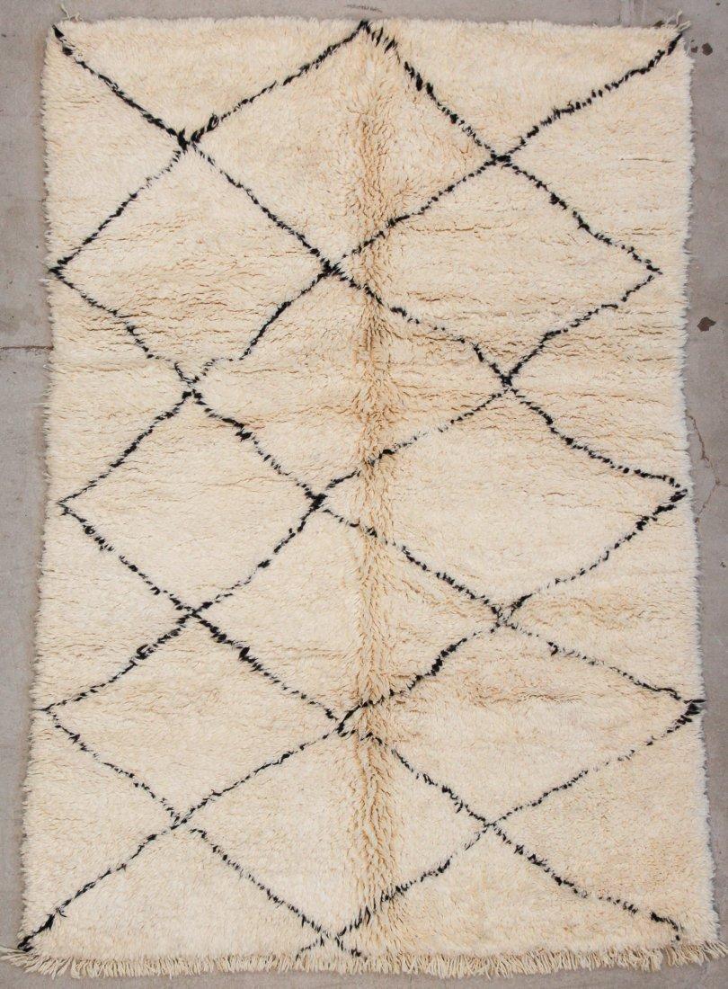 """Vintage Beni Ourain Rug: 5'1"""" x 7'5"""" (156 x 225 cm)"""