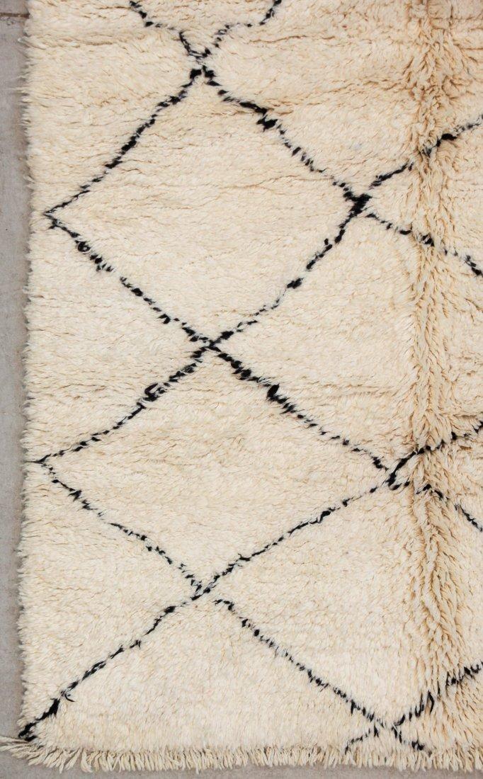 """Vintage Beni Ourain Rug: 5'1"""" x 7'5"""" (156 x 225 cm) - 2"""