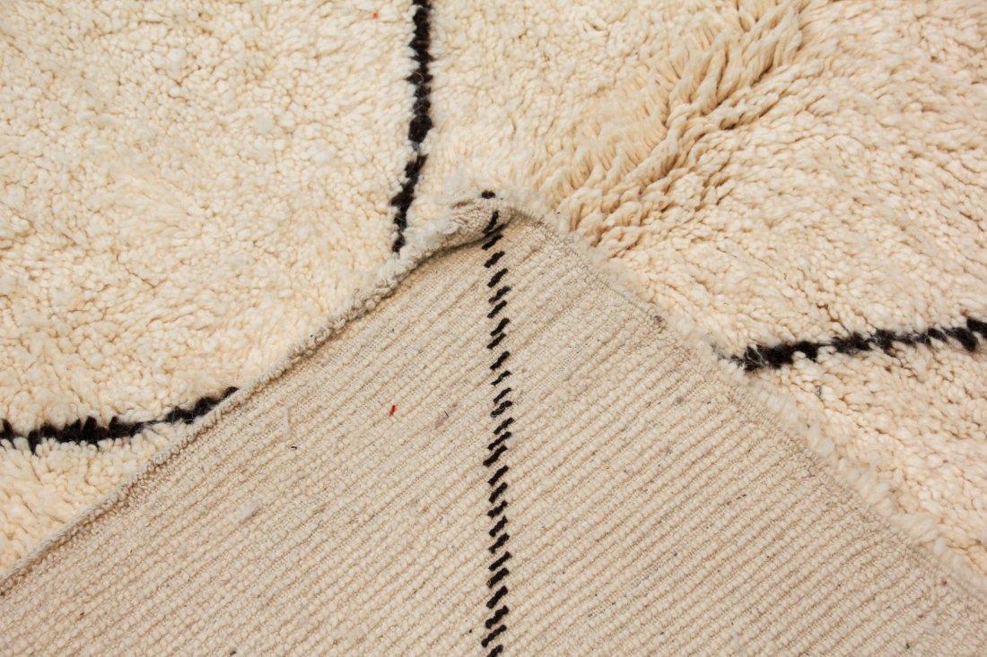 """Vintage Beni Ourain Rug: 6'2"""" x 8'2"""" (187 x 250 cm) - 4"""
