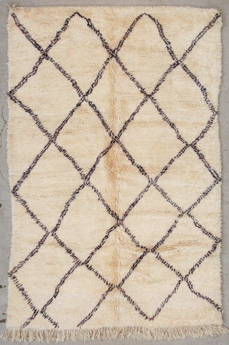 """Vintage Beni Ourain Rug: 5'9"""" x 8'4"""" (175 x 253 cm)"""