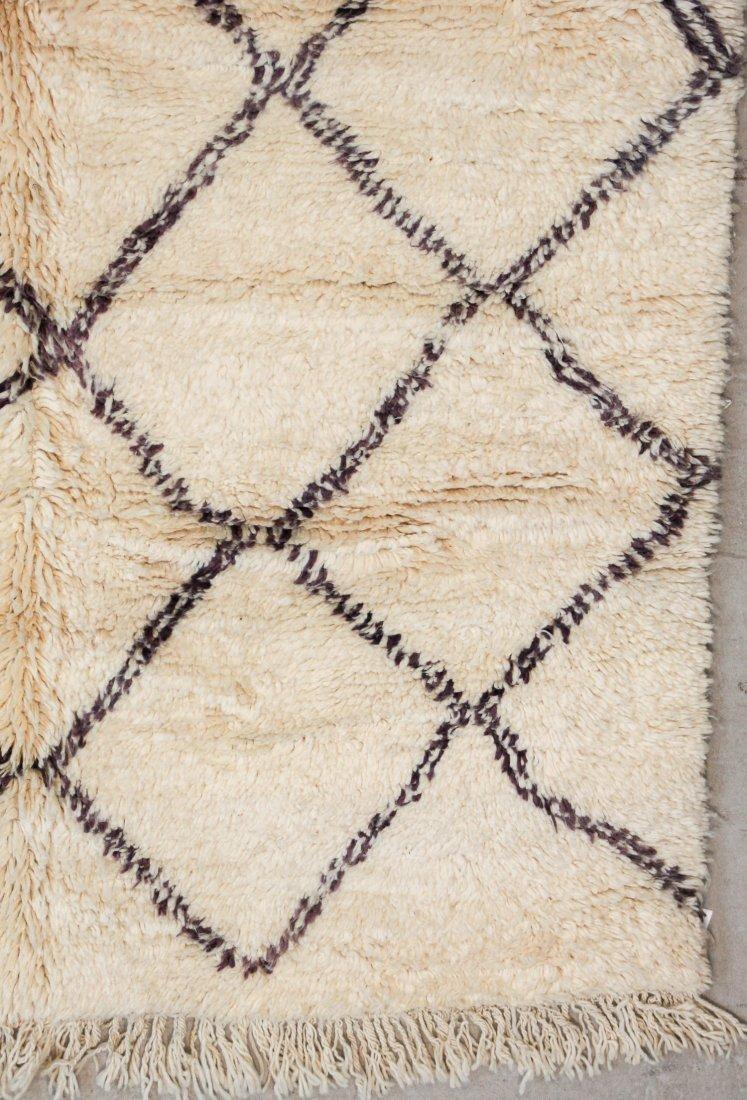 """Vintage Beni Ourain Rug: 5'9"""" x 8'4"""" (175 x 253 cm) - 2"""