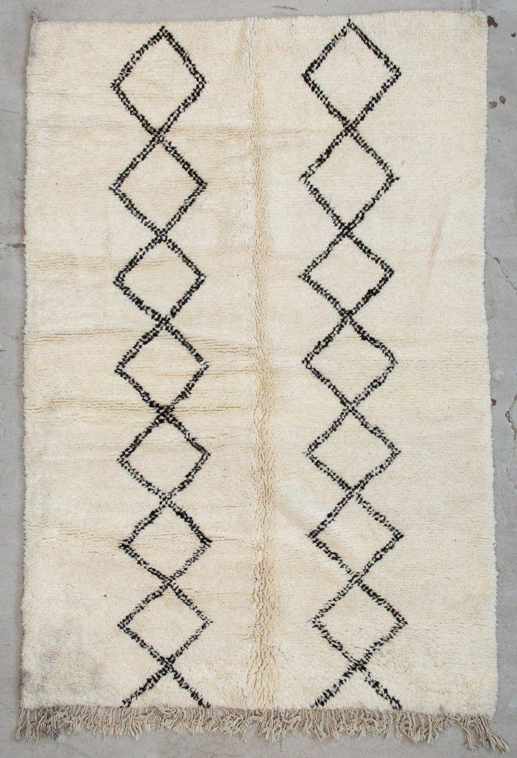 """Vintage Beni Ourain Rug: 5'3"""" x 7'10"""" (160 x 239 cm)"""