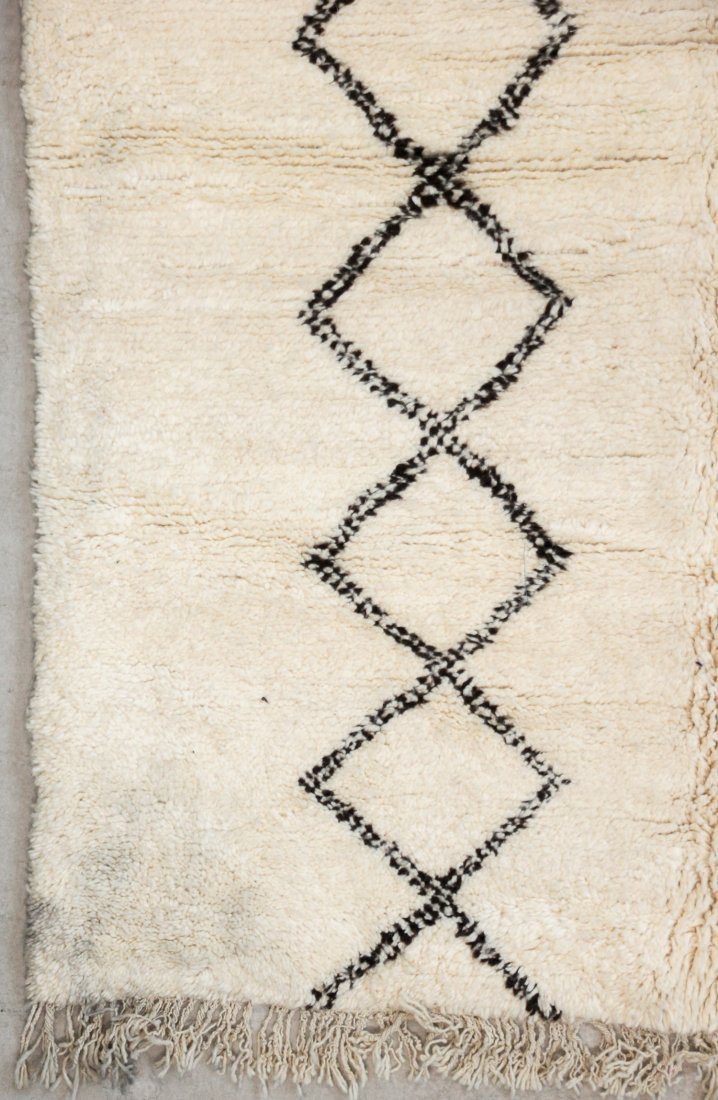 """Vintage Beni Ourain Rug: 5'3"""" x 7'10"""" (160 x 239 cm) - 2"""