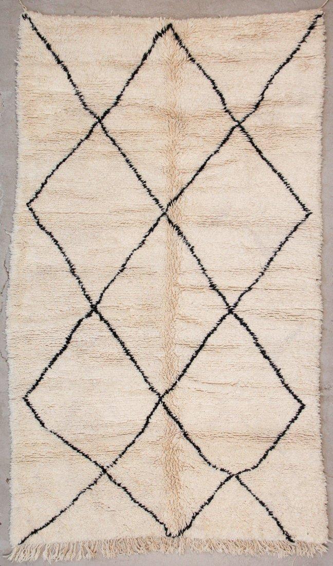 """Vintage Beni Ourain Rug: 5'6"""" x 9'2"""" (167 x 280 cm)"""