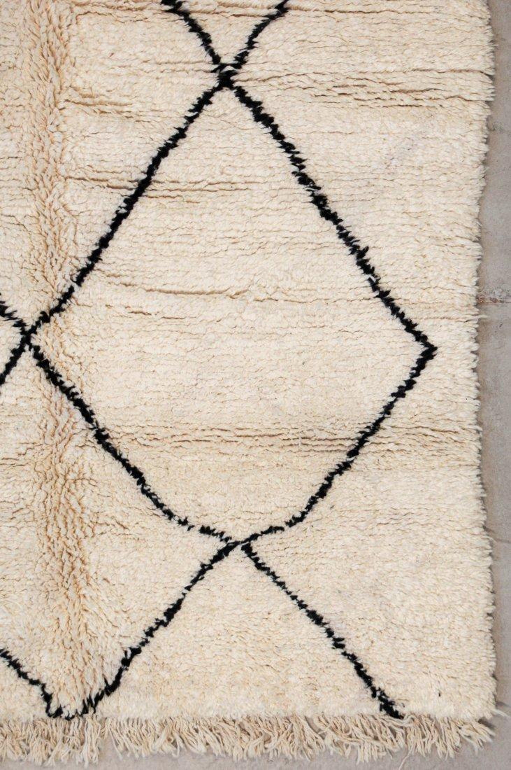"""Vintage Beni Ourain Rug: 5'6"""" x 9'2"""" (167 x 280 cm) - 2"""
