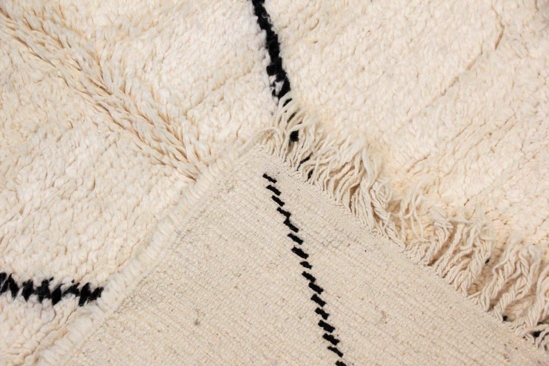 """Vintage Beni Ourain Rug: 5'6"""" x 9'2"""" (167 x 280 cm) - 4"""