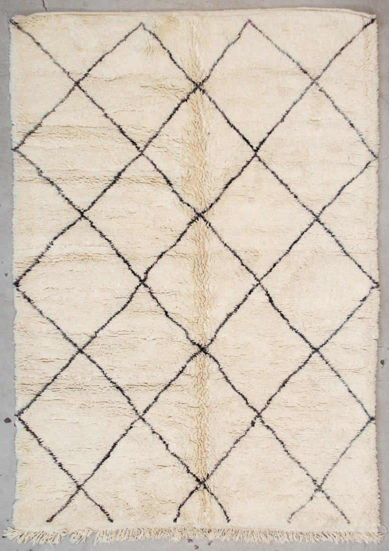 """Vintage Beni Ourain Rug: 6'11"""" x 9'9"""" (212 x 296 cm)"""