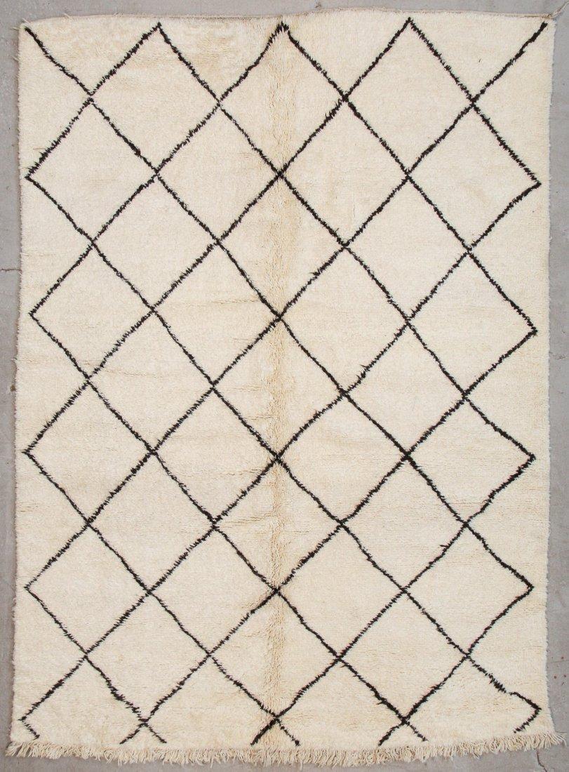 """Vintage Beni Ourain Rug: 7'3"""" x 9'10"""" (220 x 300 cm)"""