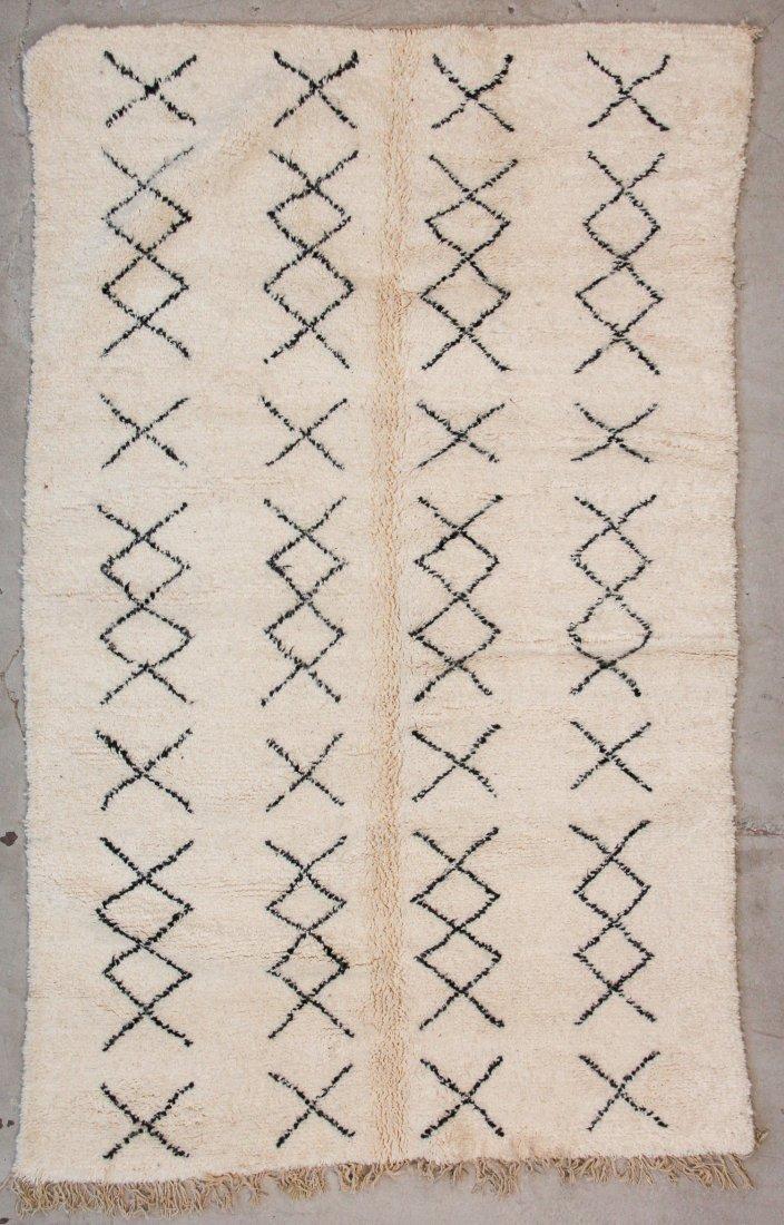 """Vintage Beni Ourain Rug: 5'1"""" x 8'10"""" (156 x 270 cm)"""
