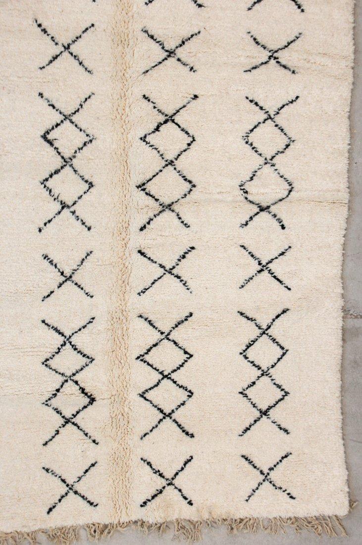 """Vintage Beni Ourain Rug: 5'1"""" x 8'10"""" (156 x 270 cm) - 2"""