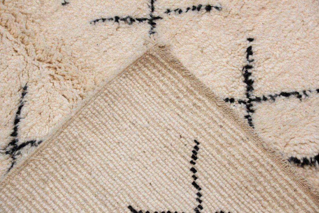 """Vintage Beni Ourain Rug: 5'1"""" x 8'10"""" (156 x 270 cm) - 4"""