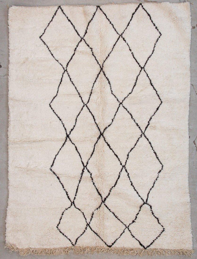 """Vintage Beni Ourain Rug: 5'9"""" x 7'8"""" (175 x 234 cm)"""