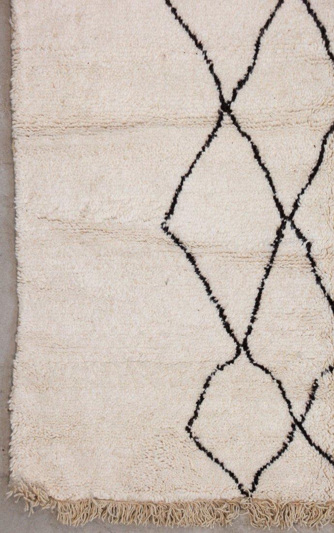 """Vintage Beni Ourain Rug: 5'9"""" x 7'8"""" (175 x 234 cm) - 2"""