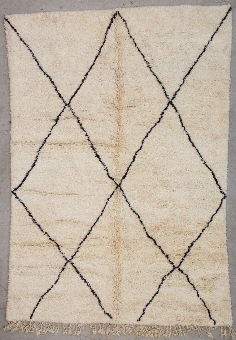 """Vintage Beni Ourain Rug: 6'6"""" x 9'6"""" (198 x 289 cm)"""