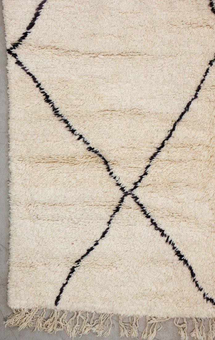 """Vintage Beni Ourain Rug: 6'6"""" x 9'6"""" (198 x 289 cm) - 2"""
