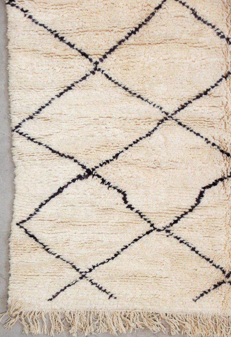 """Vintage Beni Ourain Rug: 6'11"""" x 8'9"""" (210 x 266 cm) - 2"""
