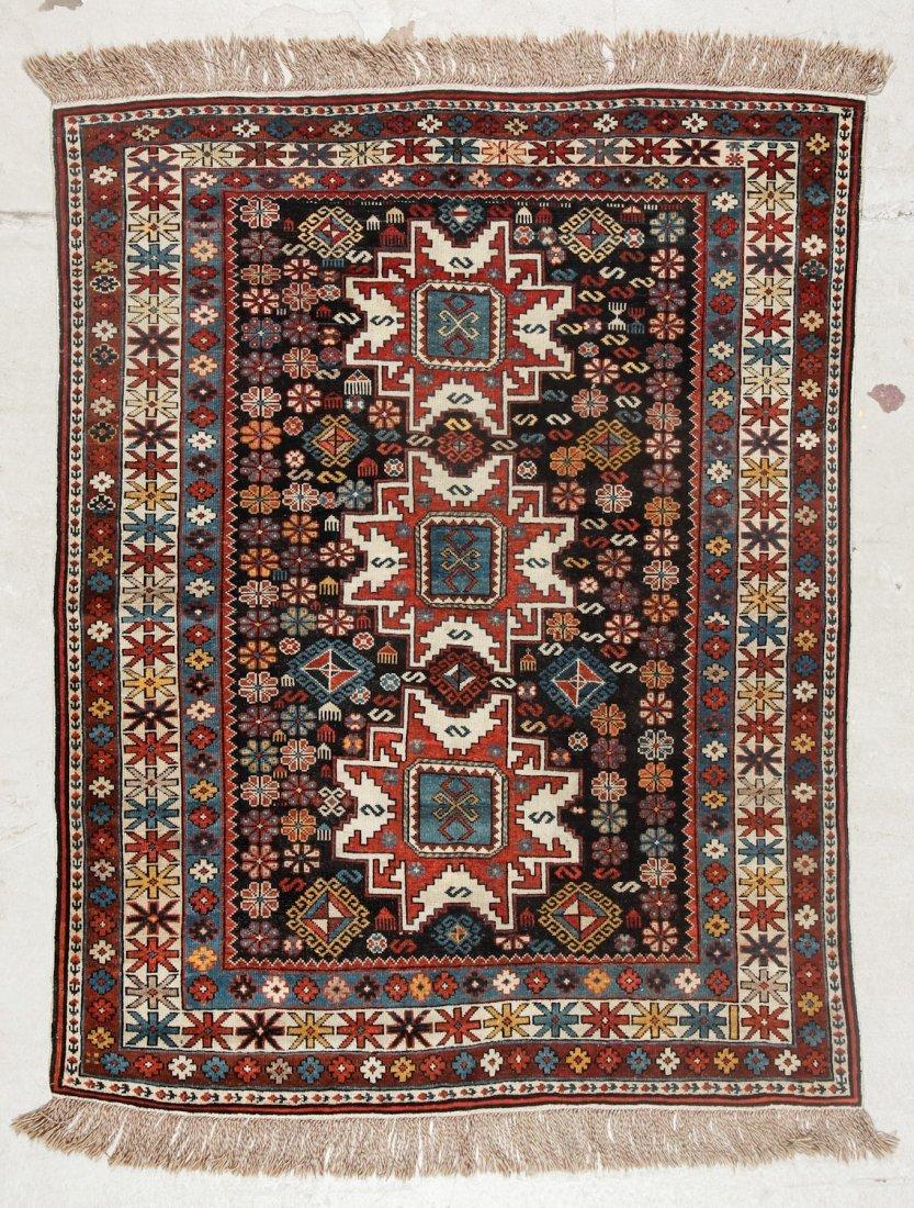Antique Shirvan Rug: 3'11'' x 5'0'' (119 x 152 cm)