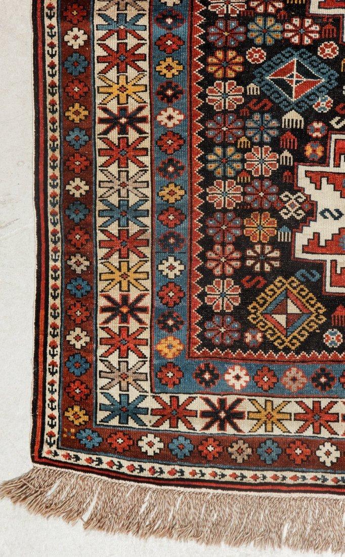 Antique Shirvan Rug: 3'11'' x 5'0'' (119 x 152 cm) - 2