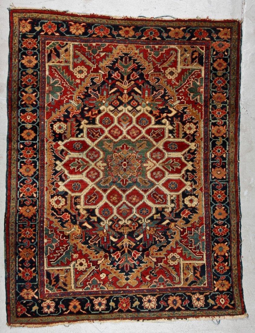 Antique Heriz Rug: 4'10'' x 6'5'' (147 x 196 cm)