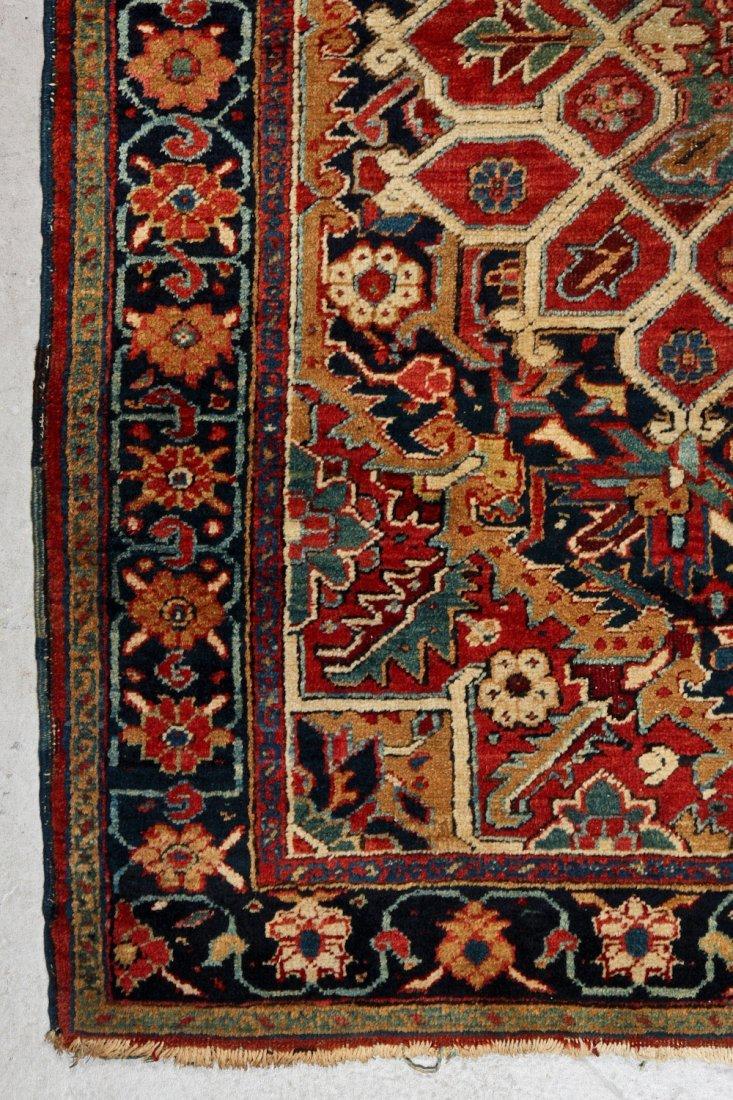 Antique Heriz Rug: 4'10'' x 6'5'' (147 x 196 cm) - 2