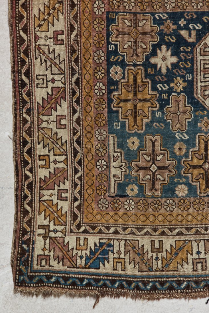 Antique Shirvan Rug: 3'11'' x 4'11'' (119 x 150 cm) - 2