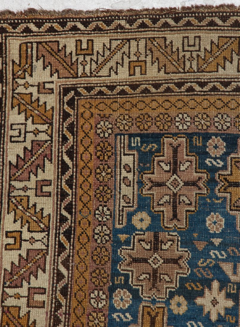 Antique Shirvan Rug: 3'11'' x 4'11'' (119 x 150 cm) - 3
