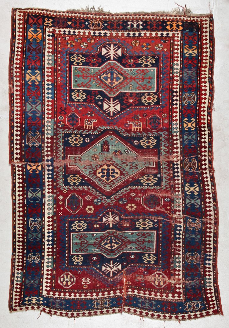 Antique Kazak Rug: 5'2'' x 7'8'' (157 x 234 cm)