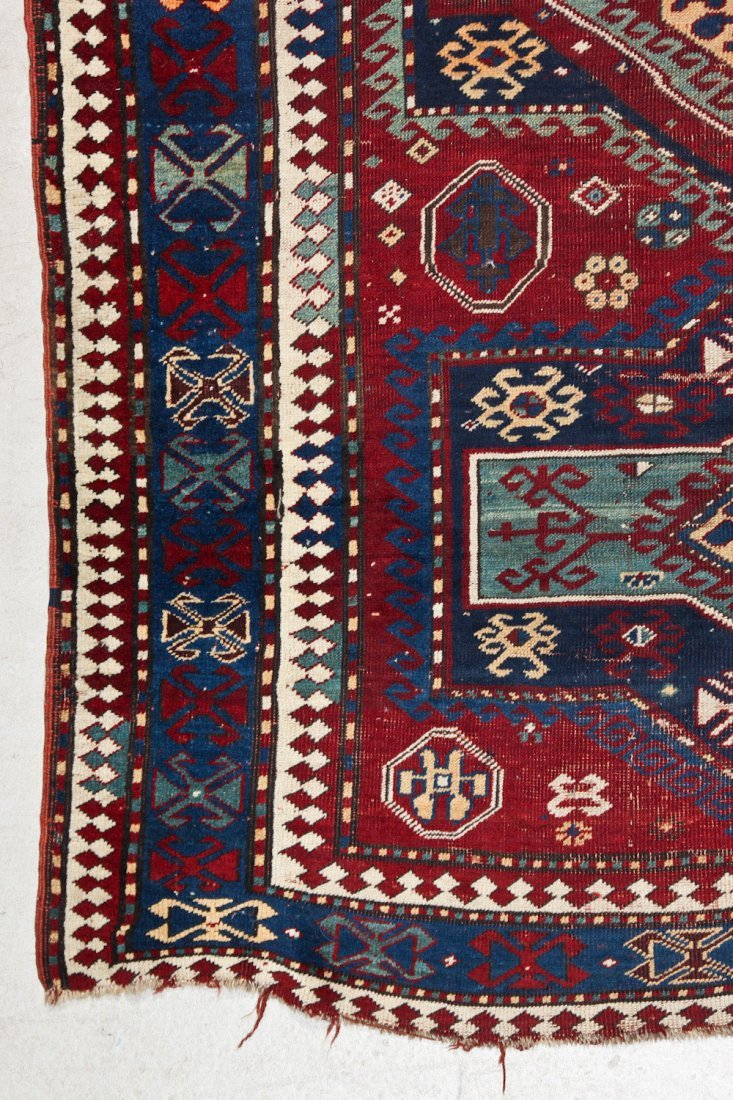 Antique Kazak Rug: 5'2'' x 7'8'' (157 x 234 cm) - 2