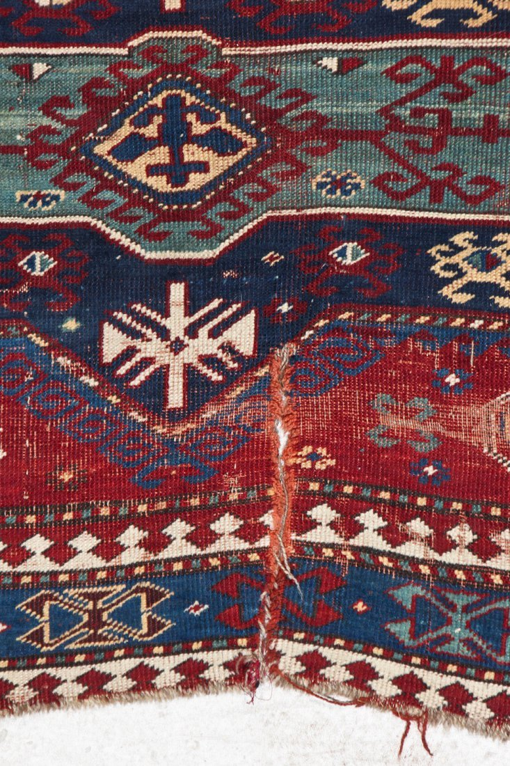 Antique Kazak Rug: 5'2'' x 7'8'' (157 x 234 cm) - 4