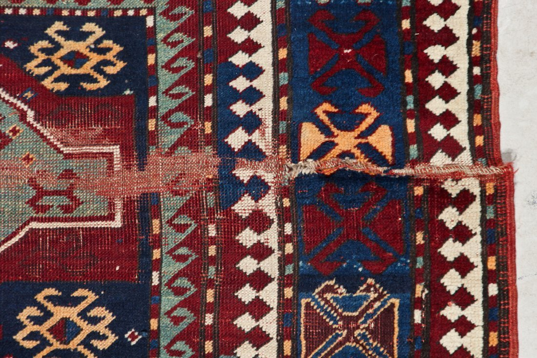 Antique Kazak Rug: 5'2'' x 7'8'' (157 x 234 cm) - 5