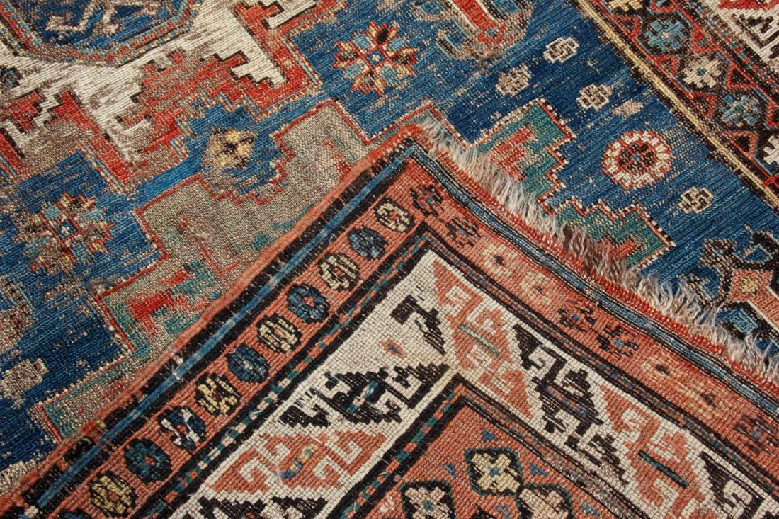 Antique Sumak Rug: 4'5'' x 7'2'' (135 x 218 cm) - 5