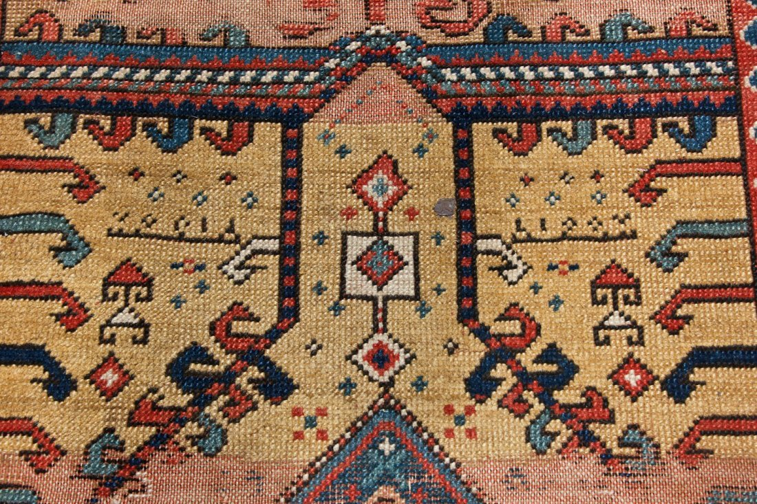 Antique Kazak Prayer Rug: 3'4'' x 5'6'' (102 x 168 cm) - 5