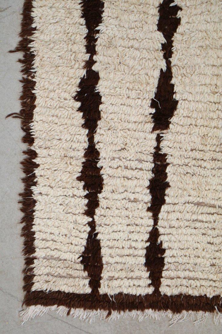 Vintage Beni Ourain Rug: 4'0'' x 8'10'' (122 x 269 cm) - 2