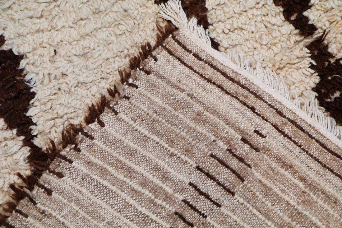 Vintage Beni Ourain Rug: 4'0'' x 8'10'' (122 x 269 cm) - 4