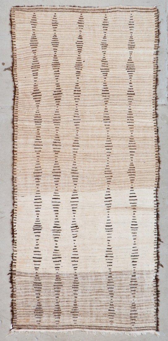 Vintage Beni Ourain Rug: 4'0'' x 8'10'' (122 x 269 cm) - 6